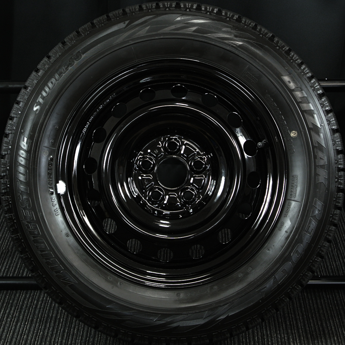 TOYOTA ウィッシュ 純正 ブラック BRIDGESTONE BLIZZAK REVO-GZ 195/65R15 4本SET