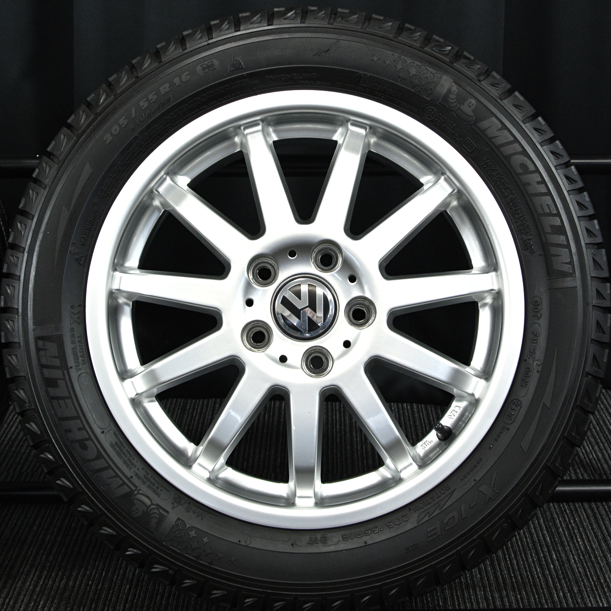 TARGA C-WORKS シルバー MICHELIN X-ICE XI2 205/55R16 4本SET