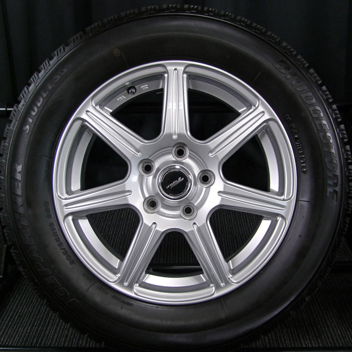 BRIDGESTONE TOPRUN R7 シルバー BRIDGESTONE ICEPARTNER 205/65R16 4本SET