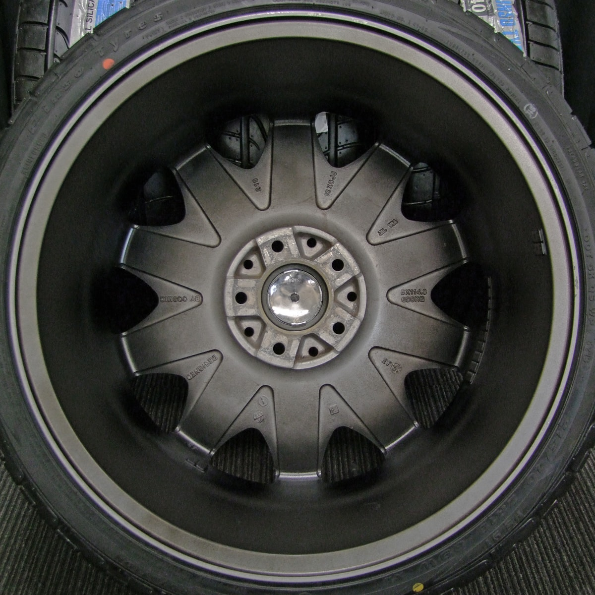 COSMIC VENERDI HEREBORANI CL-210 マットブラック PINSO TYRES PS91 215/40ZR18 4本SET