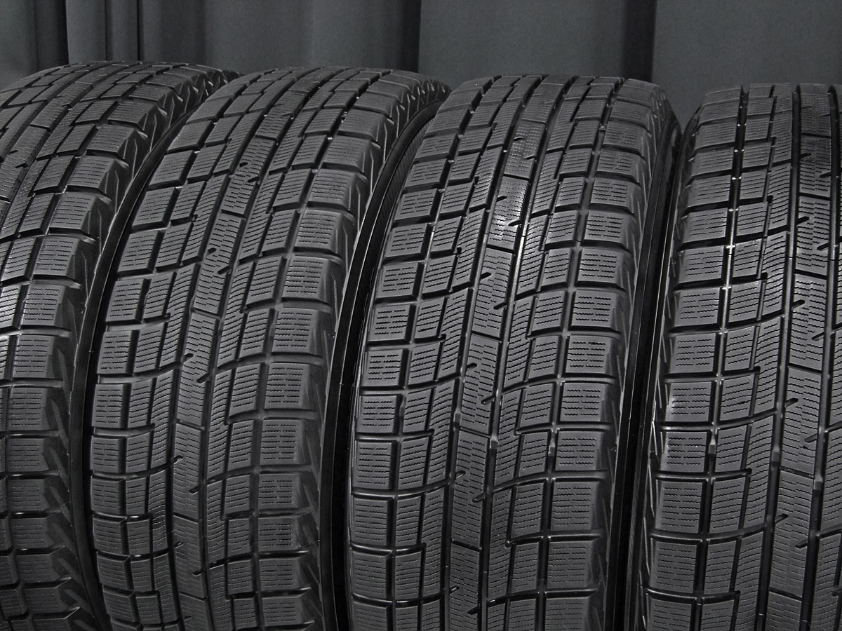 HOT STUFF Exceeder E03 ダークシルバー YOKOHAMA iceGUARD iG30 195/65R15 4本SET