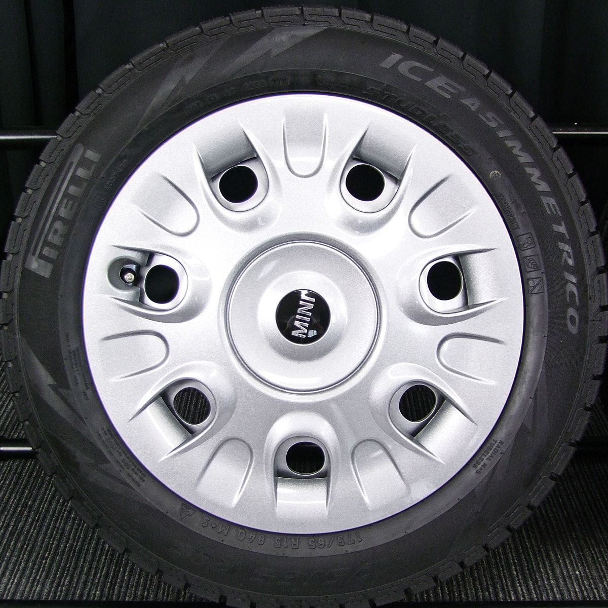 BMW MINI 純正 シルバースチール PIRELLI ICE ASIMMETRICO 175/65R15 4本SET