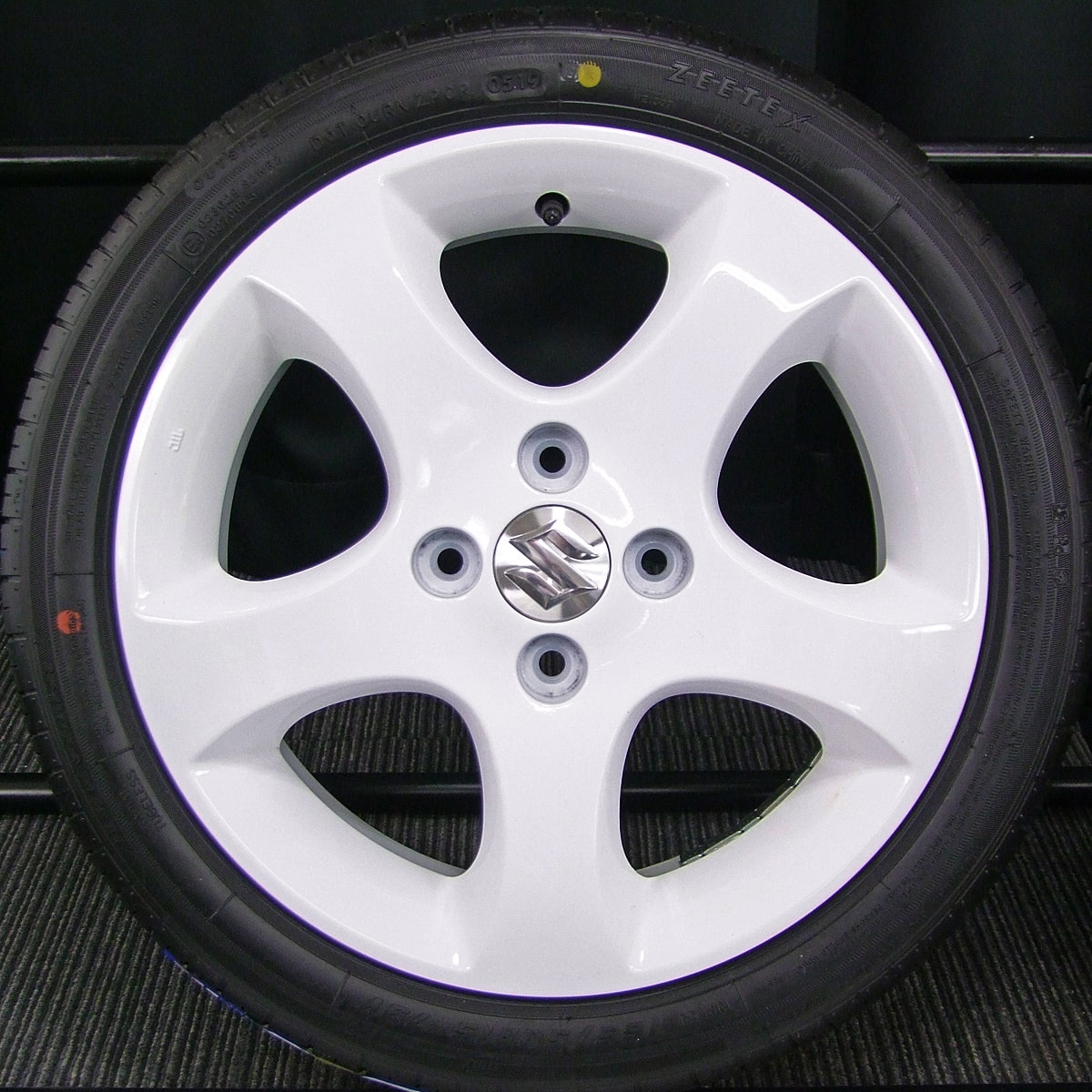 SUZUKI スイフト 純正 ホワイト ZEETEX ZT1000 165/50R15 4本SET